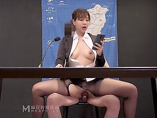 milf , brunette , japanese , asian , uncensored